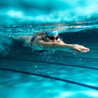 Swimming: do I get out of breath quickly while doing the front crawl?