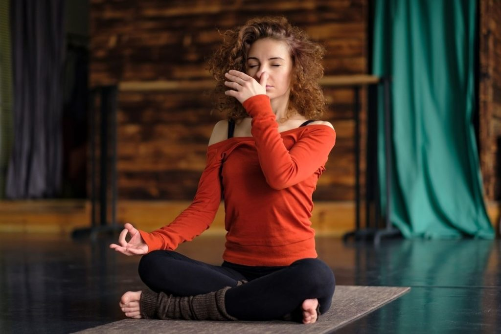 Full yogic breathing on 3 levels benefits and dangers